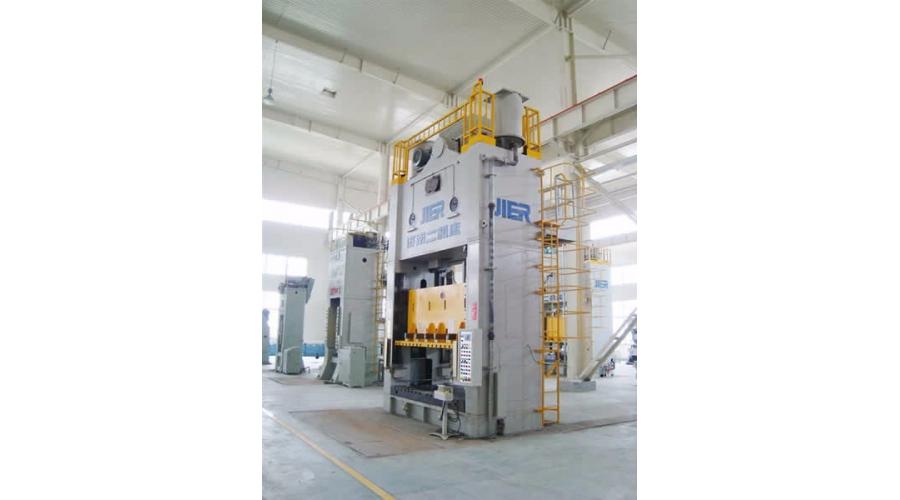 400吨压力机